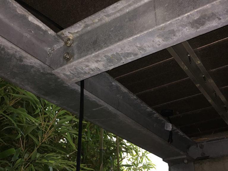 gartenbeleuchtung-licht-12-volt-lightpro-einbauleuchte-terrasse-stromkabel-und-leuchte-800x600px