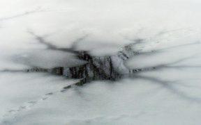 gartenteich-winter-eis-loch-teichpflege-2000x1000px
