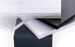 Kunststoffplatten aus verschiedenen Materialien